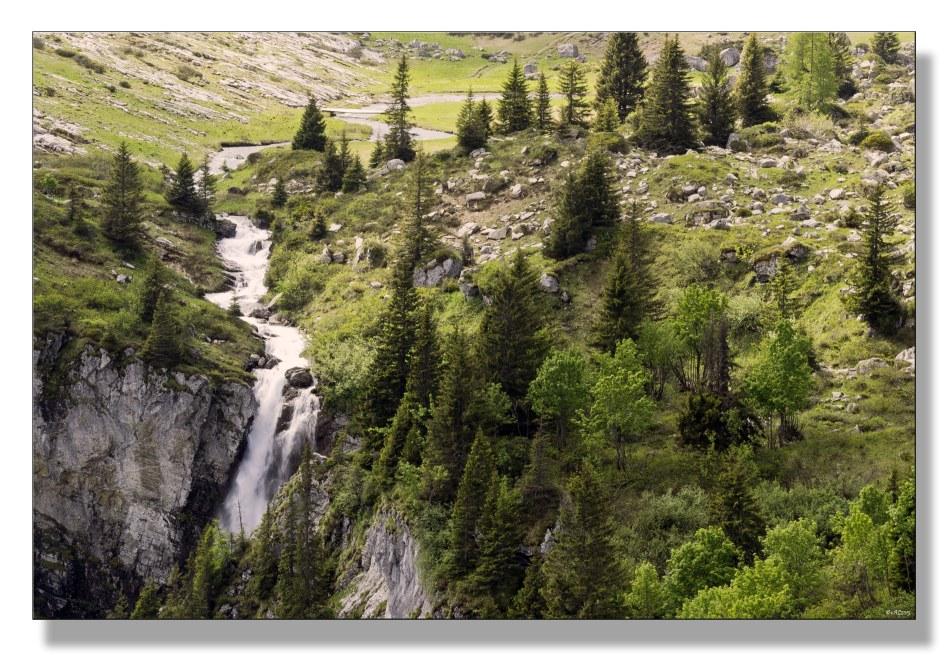 rivière-devient-cascade